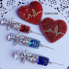 New embroidery jewelry diy cross stitch 57 Ideas Bead Embroidery Jewelry, Fabric Jewelry, Beaded Embroidery, Beaded Crafts, Jewelry Crafts, Beaded Brooch, Beaded Earrings, Bead Jewellery, Beaded Jewelry