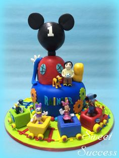 Hop on the Choo Choo Express with Mickey and his friends. A trip packed with fun and adventure! Mickey Mouse Train, Mickey Mouse Clubhouse, Mickey Mouse Birthday, Twin Birthday, 2nd Birthday Parties, 4th Birthday, Birthday Ideas, Friends Cake, Mickey And Friends