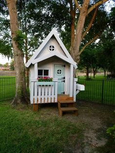 The Residence Playhouse by Imagine That Playhouses! Features our stilts package, interior loft, interior paint/stained floors and more. Interior Door Trim, Cafe Interior, Interior Paint, Interior Design, Cubby Houses, Play Houses, Loft Cafe, Shed Floor Plans, Build A Playhouse