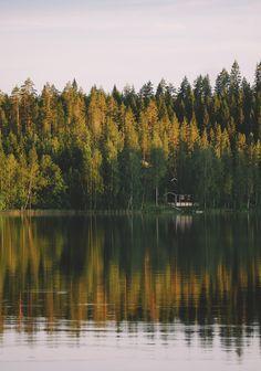 10 Jours en Finlande autour du Lac Saimaa #1 • Le chien à taches Countries Around The World, Around The Worlds, Finland Culture, Finland Summer, Finland Travel, Road Trip, Lake Beach, Excursion, Wonders Of The World