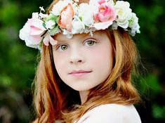 Couronne de fleurs pour petite fille - Boutique: AmoreBride, Etsy - La Fiancée du Panda blog Mariage et Lifestyle