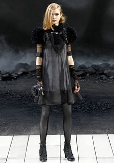 Chanel Fall 2011 RTW - Review - Fashion Week - Runway, Fashion Shows and Collections - Vogue