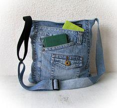Recycled denim crossbody bag, light blue jeans messenger bag, patchwork shoulder bag, vegan denim purse, upcycled vintage jeans, jean bag