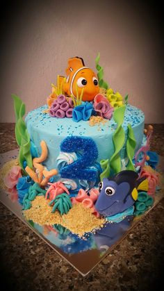 Finding Dory or Nemo cake Decorated by Anna Clinton