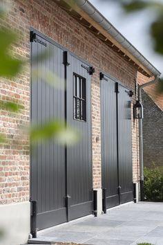 Garage Exterior, Garage Door Design, Exterior Doors, Modern Garage Doors, Shop Doors, Garage Door Makeover, Beauvais, Barn Renovation, Belgian Style