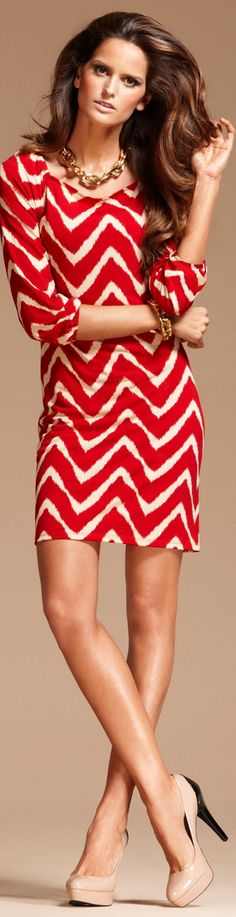 Izabel Goulart red and white chevron Love Fashion, Spring Fashion, Fashion Beauty, Womens Fashion, Izabel Goulart, The Maxx, Chevron Dress, Red Chevron, Little Red Dress