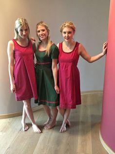 Barfußzeit ist Kleidl-Zeit Anno domini - New Ideas Girls Short Dresses, Teen Feet, Barefoot Girls, Female Feet, Women's Feet, Famous Women, Cute Woman, Couture, Cute Girls