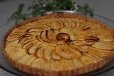 A simple and easy apple tart – a simple dessert recipe made of just 4 ingredients, including sliced apples and Trader Joe's frozen pie crust