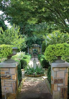 charming garden featured in Birmingham Home & Garden's March 2011 issue