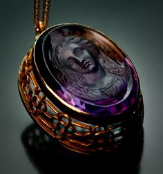 A Superbly Carved Antique Victorian Amethyst Cameo Pendant c.1890