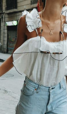 3fdf5625 ruffle tans + high waisted jeans + gold necklaces | best chic outfits for  the city | best nyc city street style fashion ideas | #teenoutfit #outfits  #ootd
