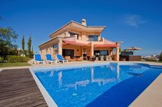 Overseas Real Estate - Luxury family Villa, 5 bedrooms near Golf, Beach and Centre - Lagos