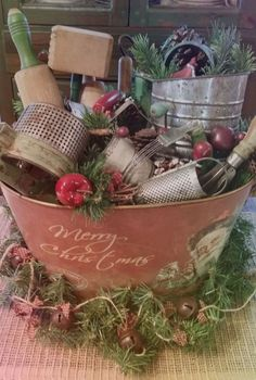 11 Awesome Christmas Table Centerpieces Decoration Ideas – Welcome My World Primitive Christmas Decorating, Prim Christmas, Christmas Kitchen, Modern Christmas, Country Christmas, Winter Christmas, Vintage Christmas, Primitive Decor, Christmas Trees