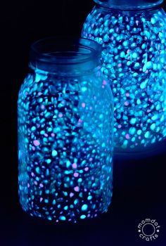 Nebula Create a Galaxy Jar DIY for Kids - Universe Jar Tutorial to Create an at home Universe in a jar complete with stars, planets and comets in this easy reusable jar, Doubles as a fairy lights or firefly jar Diy Projects For Kids, Diy For Kids, Crafts For Kids, Pot Mason Diy, Mason Jar Crafts, Diy Galaxie, Nebula Jars, Galaxy Projects, Galaxy Crafts