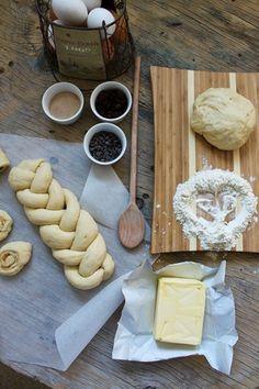 'Tsoureki' = Easter bread recipe