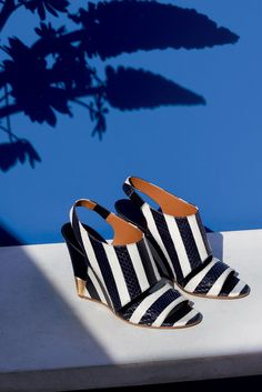 """The Chloé Spring 2015 Accessories Collection – """"Eliza"""" 10 cm wedge sandal in stripy ayers"""