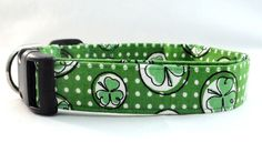 Shamrocks and Polka Dots are ALWAYS CUTE! Check out this dog collar with Shamrocks and Polka Dots! AWESOME!