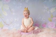 Baby Girl Birthday Photos Photography by Katie Corinne Photography Maybe it's the quarentine talking but I was so excited to see Quinn again when she came into my studio for her baby girl birthday photos. 10 Month Olds, 1 Year Olds, 6 Month Old Baby, Baby Girl Birthday, One Year Old, Birthday Photos, Little Man, Themed Cakes, Pregnancy Photos