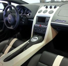 Ever seen the inside of a #Lamborghini Gallardo? You have now! What do think? Hit the images for more insightful photo's... #spon