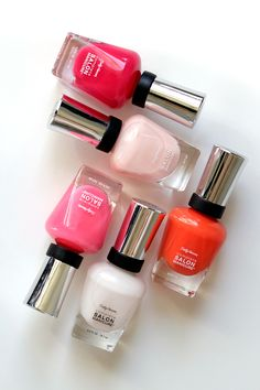 Tickle me Pink, Shrimply Devine, Firey Island, Pink Slip und Arm Candy - Pick your favourite spring colour by Sally Hansen. For the whole review of the Complete Salon Manicure Collection visit www.miss-annie.de #sallyhansen #blogger #beautyblogger #colours #potd