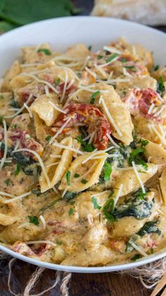 Instant Pot Tuscan Chicken Pasta is very easy to make, creamy and delicious with perfect juicy chicken, sun dried tomatoes and spinach. pot recipes for beginners pork Instant Pot Tuscan Chicken Pasta Instant Pot Pasta Recipe, Instant Pot Dinner Recipes, Recipes Dinner, Instant Recipes, Instant Pot Meals, Recipe Pasta, Alfredo Recipe, Dessert Recipes, Salads