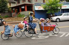 She bikes her 7 kids everywhere! No car! Now this is one inspiring woman. Portland, OR
