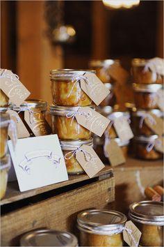 merci hang tags on mini pie favors - this is freaking cute ! Elegant Wedding Favors, Wedding Favours, Party Favors, Rustic Wedding, Wedding Gifts, Bonbonniere Ideas, Small Mason Jars, Mini Pies, Boho Wedding