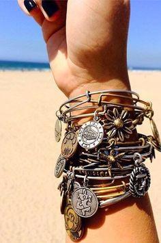 Seval'in Tasarım Evi: ÜSTÜSTE BİLEZİKLER ! Alex And Ani Bangles, Alex And Ani Jewelry, Pandora Bracelets, Pandora Jewelry, Wrap Bracelets, Pacsun, Aeropostale, Charlotte Russe, Estilo Disney