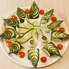 Cucumber Carving design Sebze yemekleri – The Most Practical and Easy Recipes Food Crafts, Diy Food, Food Food, Amazing Food Art, Watermelon Carving, Watermelon Art, Creative Food Art, Fruit And Vegetable Carving, Food Garnishes