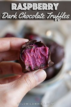 Raspberry Chocolate Truffle Recipe – Wild Wild Whisk No baking is required for these decadent Dark Chocolate Raspberry Truffles. They are the perfect desserts for chocolate lovers. Candy Recipes, Sweet Recipes, Baking Recipes, Dessert Recipes, Just Desserts, Delicious Desserts, Yummy Food, Raspberry Desserts, Raspberry Crisp