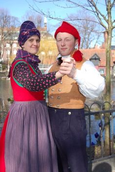 FolkCostume&Embroidery: Costume of Rømø, Denmark. Danes from different regions dressed differently.