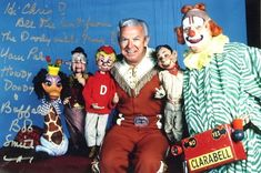 """""""It's Howdy Doody Time"""" Loved this show and so wanted to be in peanut gallery. Famous Clowns, Alex And Sierra, Howdy Doody, Vintage Television, Retro Kids, Thanks For The Memories, Old Tv Shows, Classic Tv, Best Tv"""