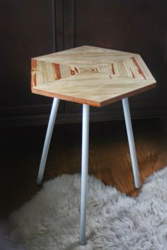 What to do with an ugly old side table // before and after table redo // diy table upgrade // Young Branch // youngbranch.com // DIY Hexagon Table