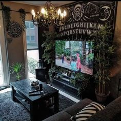 I love how this room is so clean looking while having dark colors. Dark Home Decor, Goth Home Decor, Goth Bedroom, Room Ideas Bedroom, Decor Room, Gothic Bedroom Decor, Dark Cozy Bedroom, Wall Decor, Gothic Room
