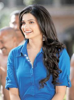 Prachi Desai #Bollywood #Fashion