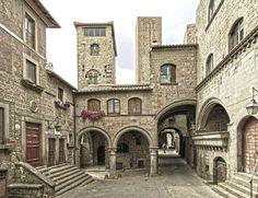 https://flic.kr/p/8YnmLN | San Pellegrino | La Piazza del quartiere Medievale