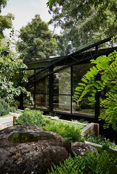 stephen jolson / restoration of robin boyd's bridge house, toorak melbourne