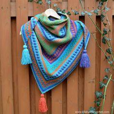 River's Walk Shawl - FREE crochet pattern by www.lillabjorncrochet.com