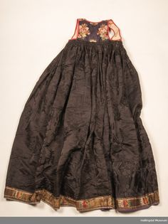 Folk Costume, Costumes, Thinking Day, Traditional Outfits, Tie Dye Skirt, Norway, Museum, Victorian, Textiles