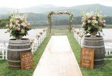 10 idées ingénieuses pour décorer un mariage rustique avec des tonneaux en bois