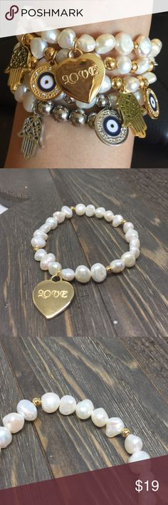 💲HOLIDAY DEAL💲Natural Freshwater Pearl A Beautiful combination of freshwater pear and gold stainless steel beads. Stainless Steel does not tarnish and Oxidize. High quality stainless steel has high resistance to rust, corrosion and tarnishing, which requires minimal maintenance.  This Bracelet is sure to be a special gift to be enjoyed! Packaged in a lovely Bag!           BRAND NEW WITH TAG•SAME DAY OR NEXT DAY SHIPPING•BUNDLE TO SAVE• NO LAWBALLING ( consider PM 20% fee ) NO TRADES…