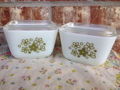 Pair of Pyrex 501 Spring Daisy / Blossom Refrigerator / fridge with lids - EXCELLENT condition  on Etsy, $13.95