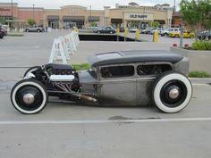 pbrgreaseandlove:    jeremylawson:    Rat Rod Model A Sedan.      Far from a rat rod