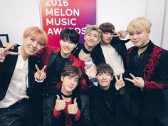 """BTS gana el premio al Mejor Álbum del año en los """"2016 Melon Music Awards"""" via @soompi"""