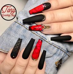 54 Hottest Trendy Acrylic Coffin Nails To Insprire You This Spring - Page 11 of 18 - Fashion Lifesty Glam Nails, Hot Nails, Bling Nails, Best Acrylic Nails, Acrylic Nail Designs, Nail Art Designs, Perfect Nails, Gorgeous Nails, Pretty Nails