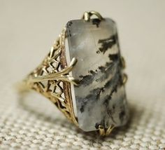 ❥ Moss agate ring w/gold filigree setting, American c. 1910