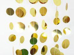 Guirnalda Gold Garland-8ft-brillante oro por GreenBeltFarm en Etsy