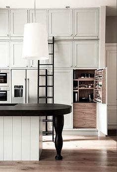 Check out our latest collection featuring 18 Pristine Victorian Kitchen Interior Designs You Must See. Home Decor Kitchen, Interior Design Kitchen, Interior Modern, Interior Doors, Luxury Kitchens, Home Kitchens, Modern Kitchens, Victorian Kitchen, Interior Photography