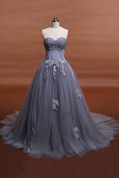 Elegant sweetheart grey tulle long lace appliques fishbone formal prom dress, see through sweep train evening dress