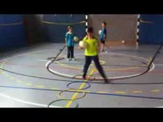 Koordinationstraining mit Reifen - YouTube Physical Education Games, Physical Therapy, Taekwondo, Agility Workouts, Jr Sports, Pe Games, Youtube Comments, Exercise For Kids, Trainer